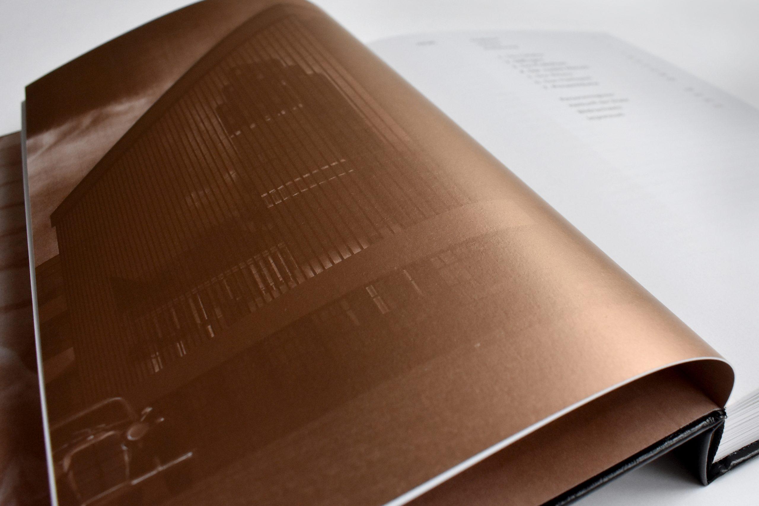 arnoldsche Gestalt und Hinterhalt Theinert Buchholz BeckerRapp Becker Rapp Buch Buchvorstellung Buchpräsentation Gestaltung Darmstadt Mathildenhöhe Spiegel Bauhaus
